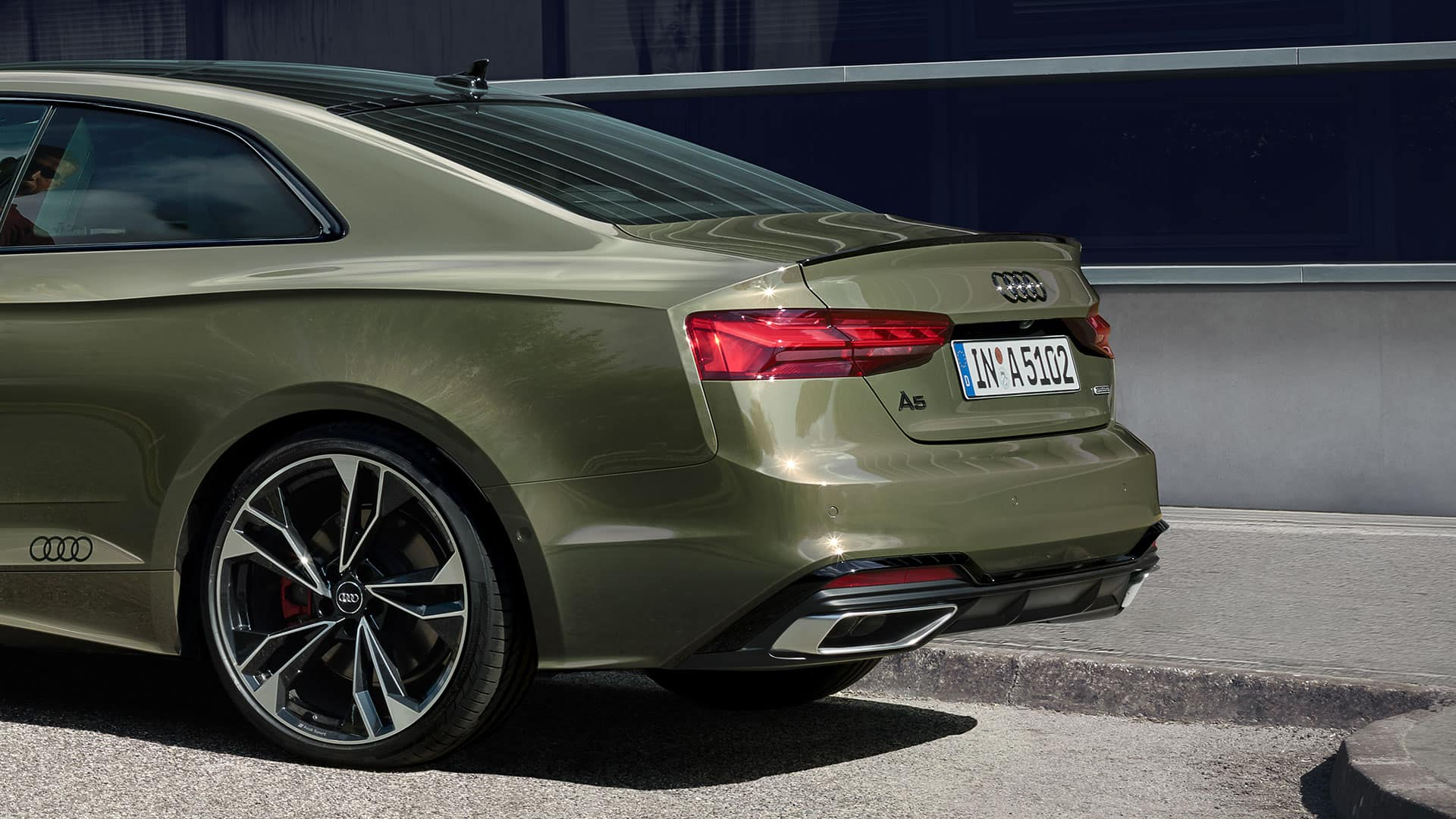 Rear view Audi A5 Coupé